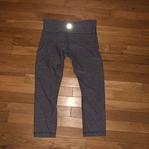 Women's Lululemon athletic pants cropped